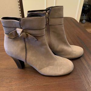 A2 by Aerosoles tan boots